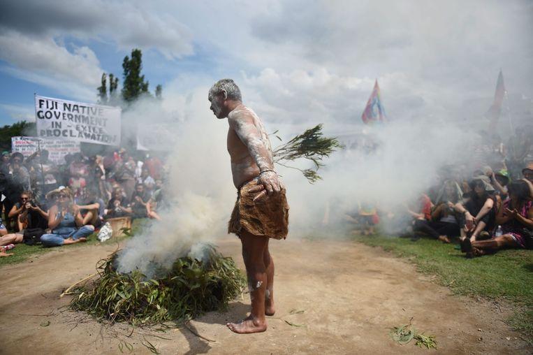 Australische Aborigines hielden een protestceremonie tijdens Australia Day, op 26 januari. Zij worden niet erkend als oorspronkelijke bewoners van het eiland. Beeld epa