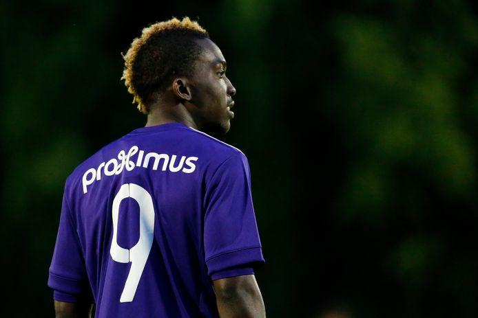 Onyekuru in het shirt van Anderlecht.