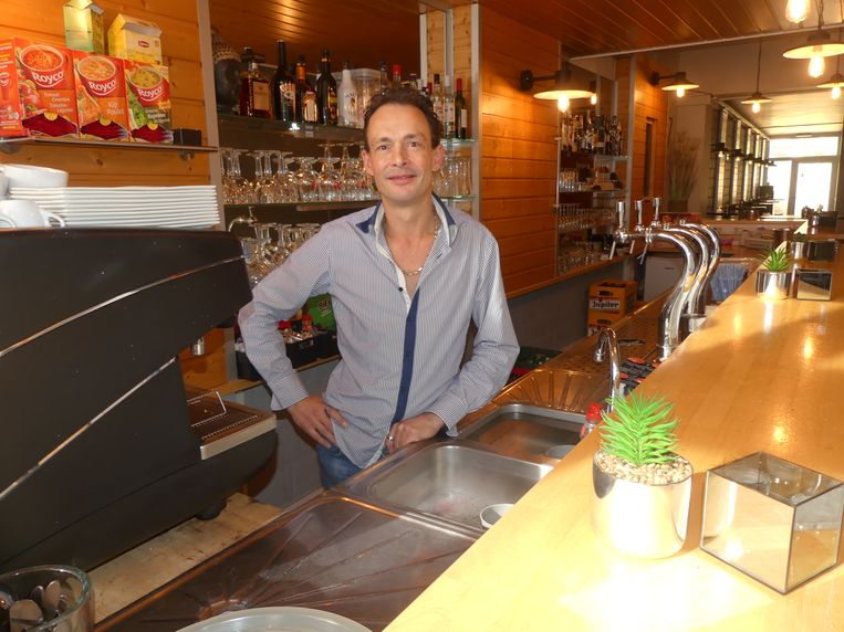 Bart De Maertelaere van Bartaki's nestelde zich in het voormalige café 't Perron.