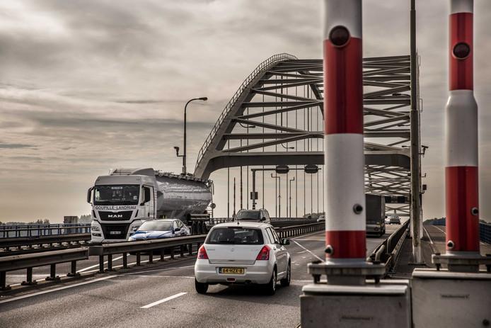 De A27 tussen Gorinchem en Werkendam gaat in de nacht van dinsdag 15 op donderdag 16 oktober dicht voor alle verkeer.