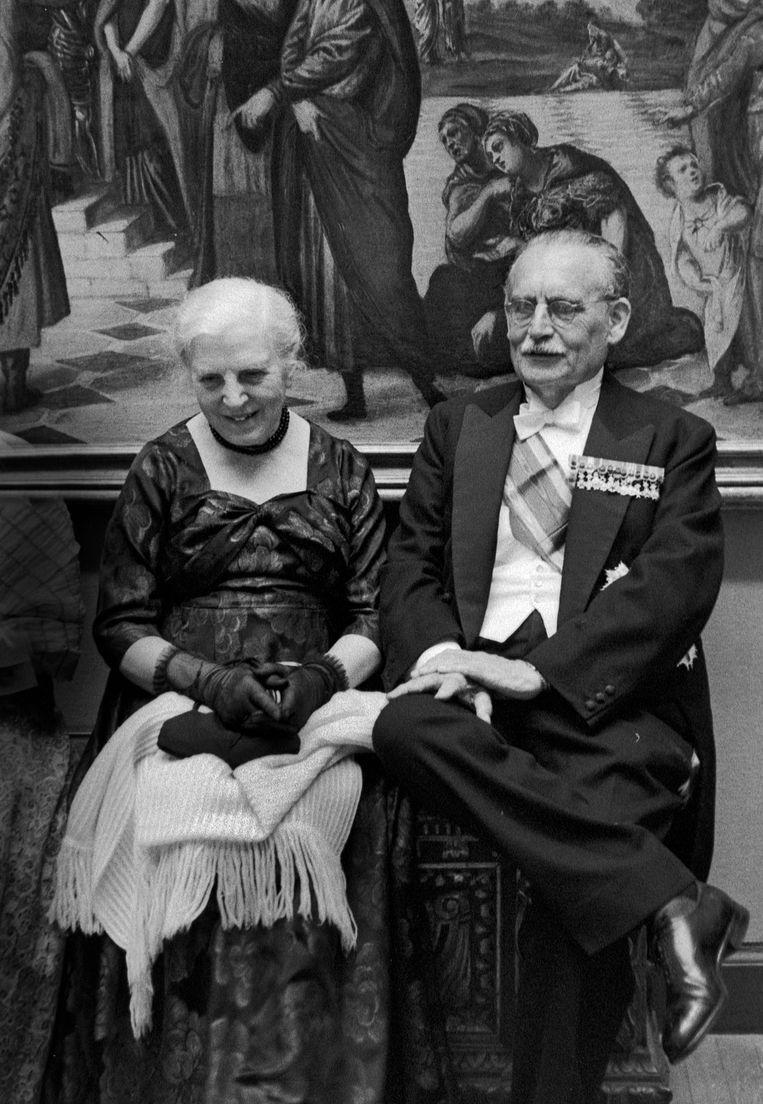 Willem Drees met zijn vrouw Catharina, 1959. Drees was minister-president van Nederland van 1948 tot en met 1958. Beeld Eddy Posthuma de Boer