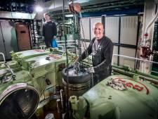 Jan de Goederen repareert gigantische scheepsmotoren: 'In principe hetzelfde als een brommertje'
