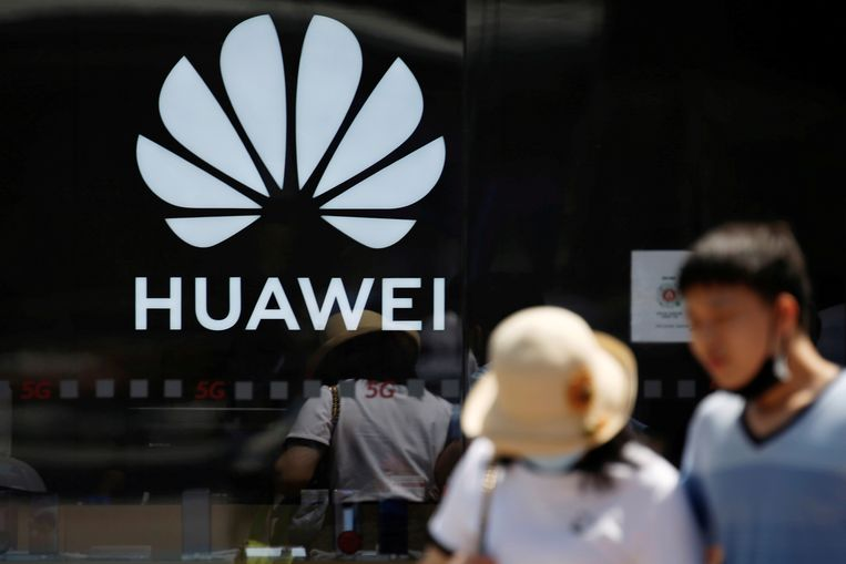 De Chinese telecomreus Huawei is een van de bedrijven die door de Amerikaanse telecomautoriteit FCC zijn bestempeld als een bedreiging voor de nationale veiligheid. Beeld REUTERS