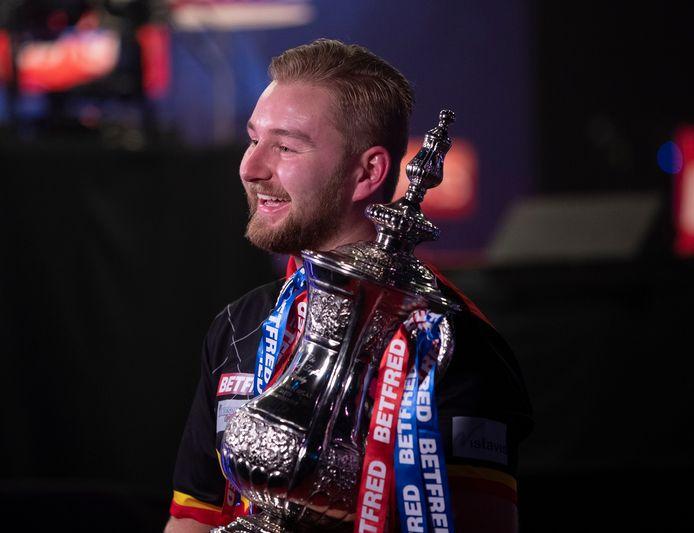 Een van de grootste verrassingen tot nu toe: Dimitri van den Bergh wint de World Matchplay.