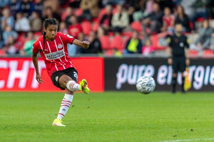 Esmee Brugts scoorde het eerste PSV-doelpunt van dit seizoen.