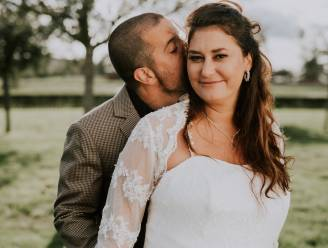 """Zangeres Xandee over haar huwelijk met Eric: """"Er zijn traantjes gevloeid, zeker omdat mama dit niet meer kon meemaken"""""""