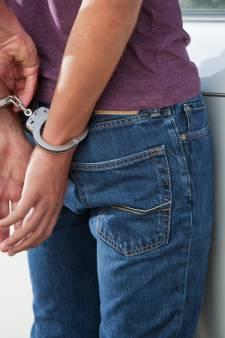 Verdachte (15) van gewapende overval opgepakt na relletje in stadsbus
