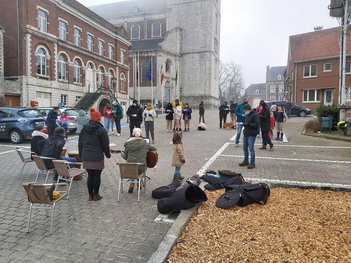 Een dertigtal mensen kwamen voor de 4de maal actie voeren op het Gemeenteplein