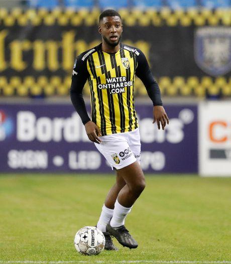 Rel ettert voort bij Vitesse: rentree Bazoer laat op zich wachten