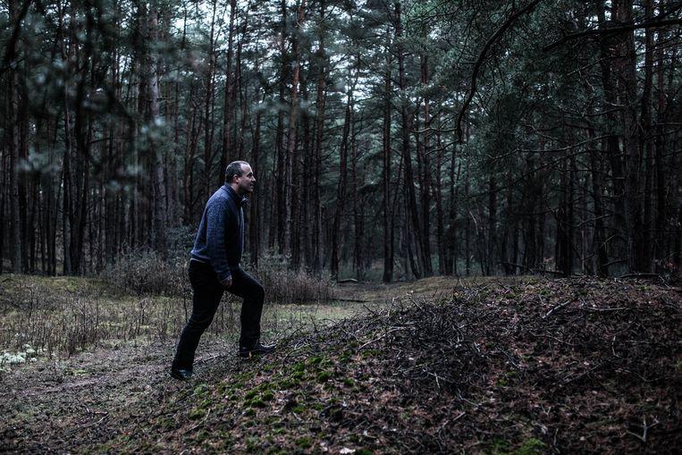 Loos: 'Wild wordt schichtig als er een wolf in de buurt is. Daar houden jagers niet van. Bovendien is de wolf een toppredator, terwijl jagers zichzelf als predatoren beschouwen.' Beeld BAS BOGAERTS
