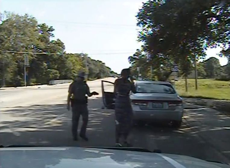 Agent Brian Encinia arresteerde Sandra Bland op 10 juli. Drie dagen later overleed ze in een politiecel.