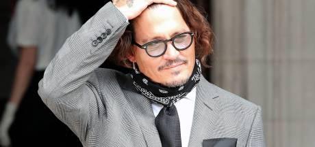"""Johnny Depp répète qu'il n'a pas frappé Amber Heard: """"Je portais un plâtre"""""""