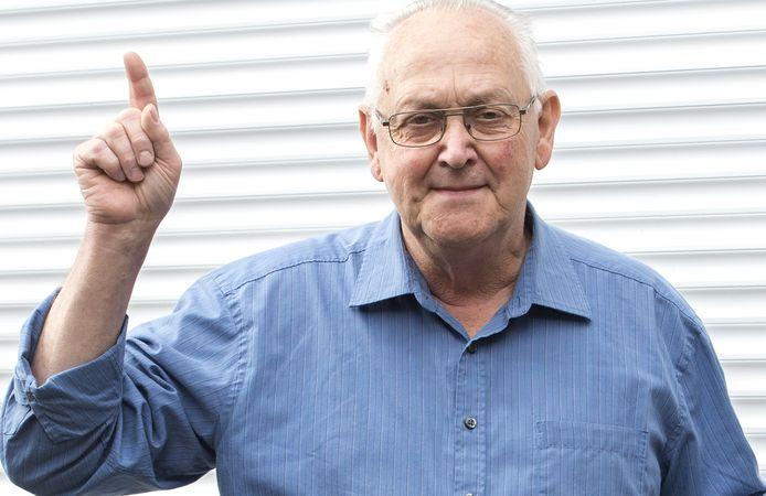 Jan van Beerendonk geeft senioren tips over wat ze kunnen doen tegen oplichtingspraktijken.