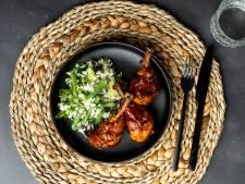 Wat Eten We Vandaag: Sticky kipdrumsticks met rijstsalade