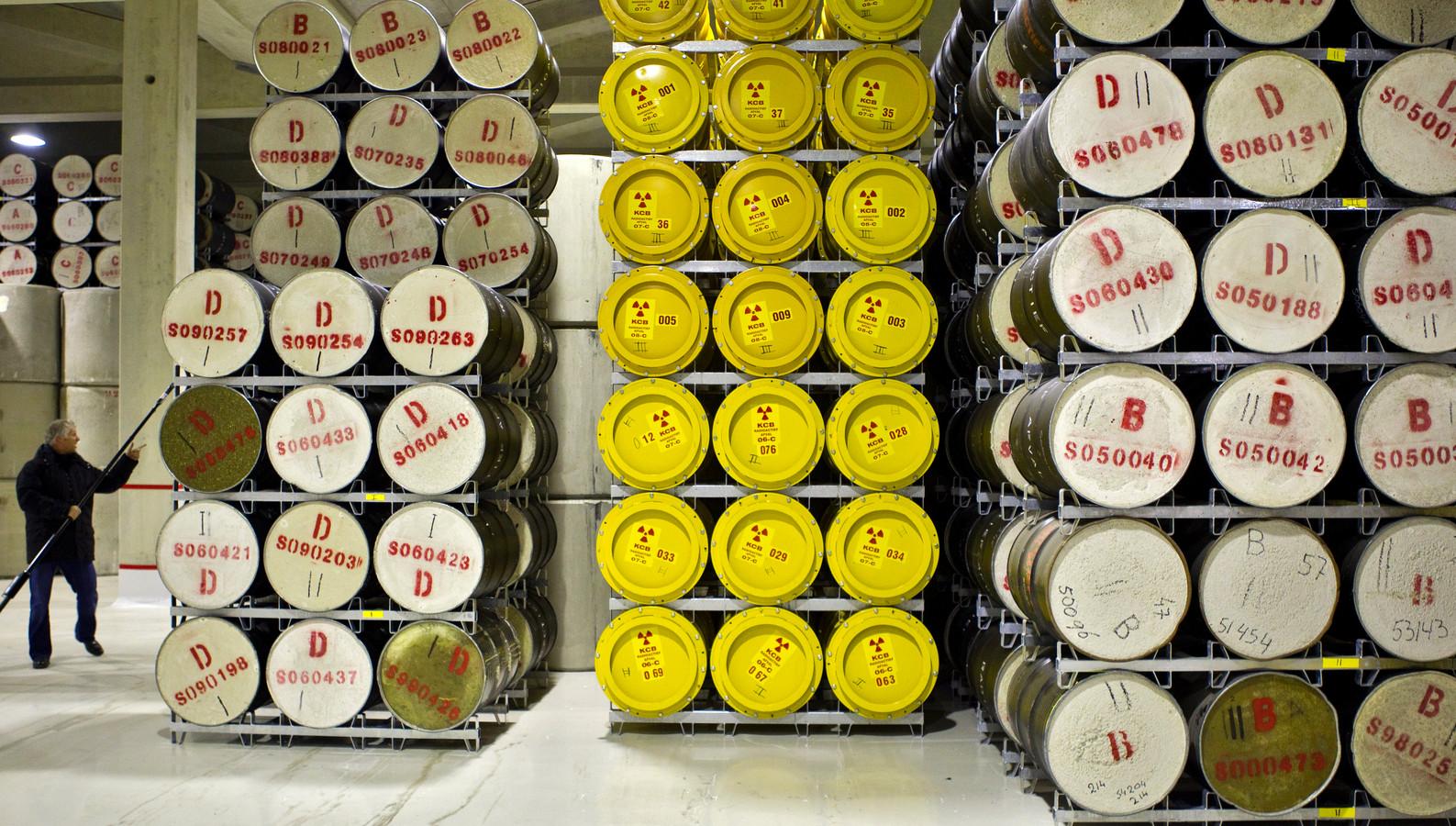Radioactief afval bij COVRA (Centrale Opslag Radioactief Afval) in Borssele. Hier vindt de verzameling, verwerking en opslag van radioactief afval plaats.