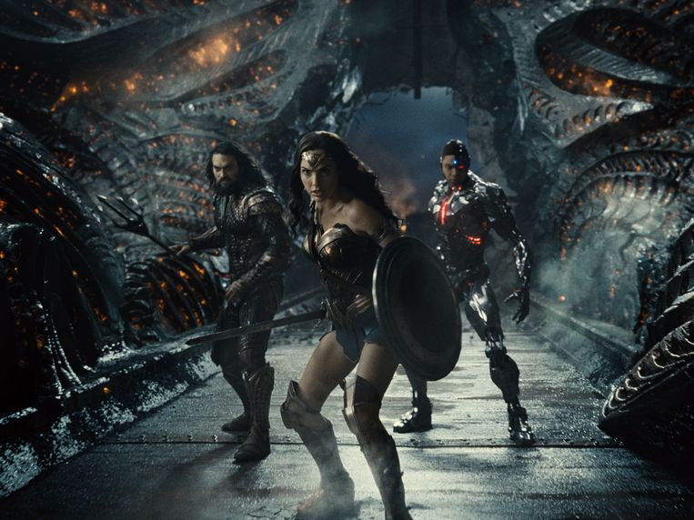 Jason Momoa (Aquaman), Gal Gadot (Wonder Woman) en Ray Fisher (Cyborg) in Zack Snyder's Justice League. Beeld HBO