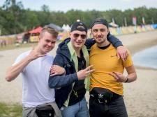 Freshtivallers vieren ook op camping een feestje: droge caravans en soms een barbecue