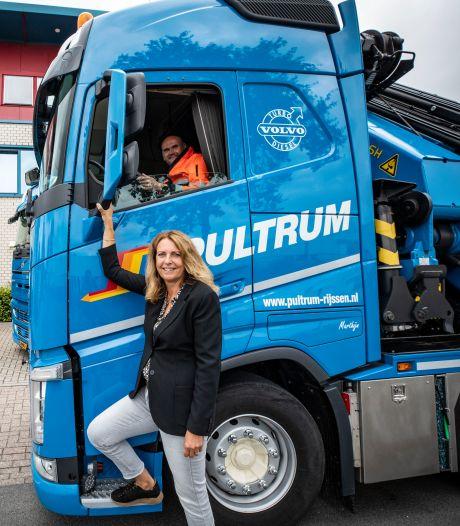 Pultrum uit Rijssen neemt Westdijk Transport over in Alphen aan den Rijn