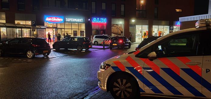 Veel politie bij de Jan Linders in Wijchen na de overval.