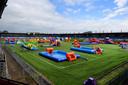 Een kleurrijk palet aan springkussens vult het Herstaco-stadion aankomende week nog voor de laatste keer dit jaar.