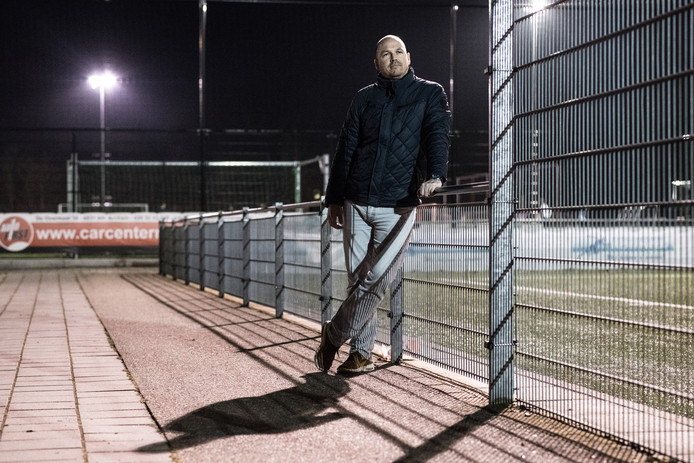 Trainer Peter Gerritsen van ESA: 4-3-3, tenzij....