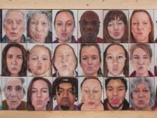 Dertig keer een kus: 'Met zulke schilderijen oogt het alsof die echt voor jou is bedoeld'