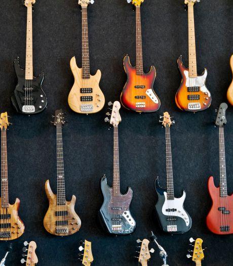 Almelo weigert bijstand om vijf gitaren: Raad van Beroep grijpt in
