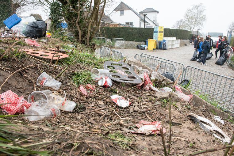 Afbeeldingsresultaat voor afval na ronde van vlaanderen