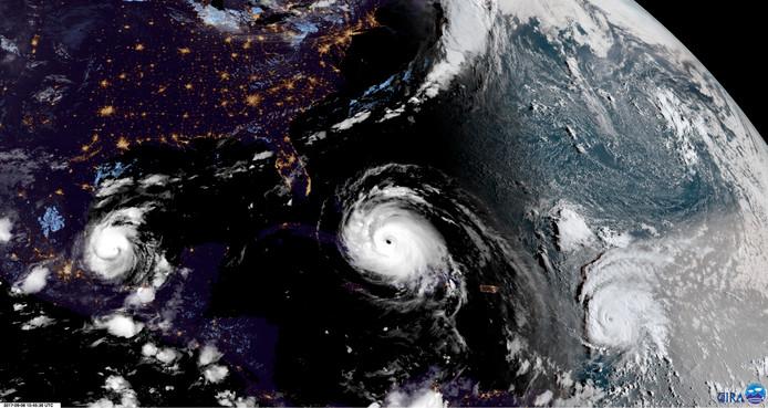 Irma (midden) op weg naar Florida, met José rechts en Katja links op de foto.