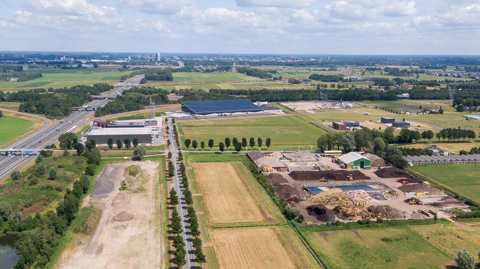 Bedrijventerrein H2O in 2019. Op de achtergrond Zwolle.