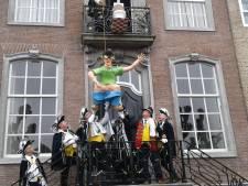 Potteschijter overleeft dit jaar carnaval in Potteschijterslaand