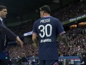 Messi remplacé et contrarié, le PSG punit Lyon sur le gong