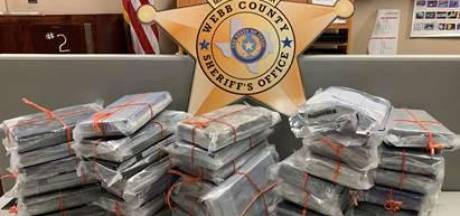 Man koopt auto en vindt voor 850.000 dollar aan cocaïne