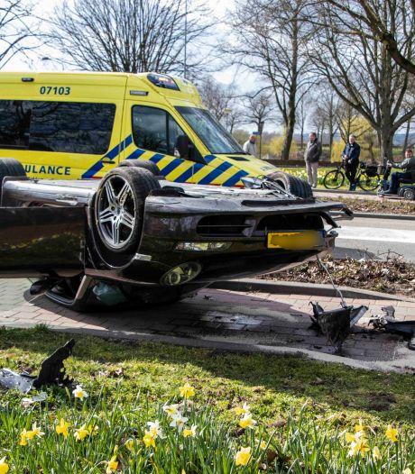 Porsche crasht in Doesburg, mogelijk tweede voertuig bij ongeluk betrokken
