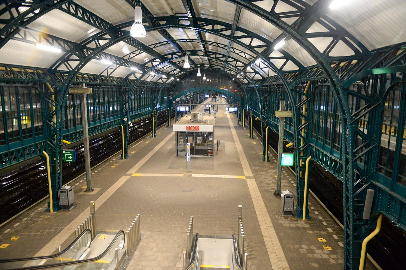 Een leeg Centraal Stadion in Den Bosch.