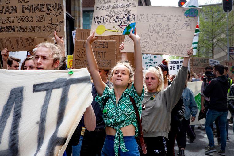 Jongeren strijden voor een beter klimaat tijdens de klimaatmars in Amsterdam. Beeld Pauline Marie Niks