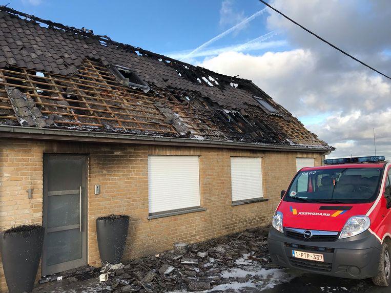 De woning van het vijfkoppige gezin is volledig vernield.