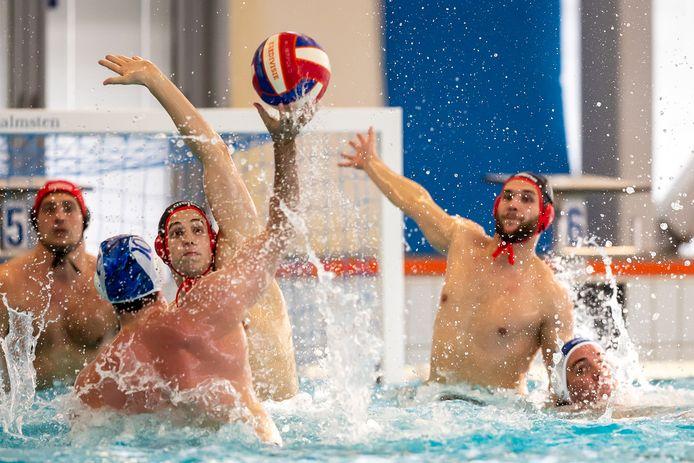 Polowedstrijd in zwembad Aquarijn.