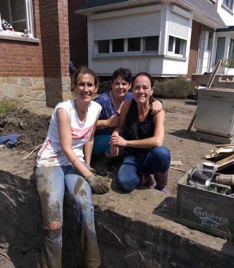 La boue jusqu'aux genoux, Sophie Wilmès vient en aide aux sinistrés de Chaudfontaine