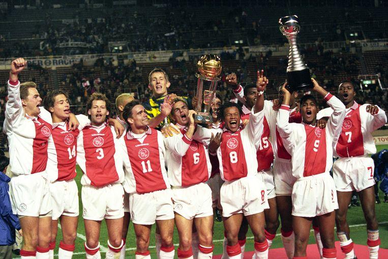 De Ajacieden wonnen de Wereldbeker voor het laatst in 1995, nadat ze in Tokio van het Braziliaanse Gremio wonnen. Beeld Hollandse Hoogte / Foto Leo Vogelzang BV