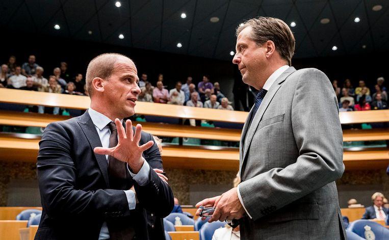 Diederik Samson (PvdA) en Alexander Pechtold (D66). Beeld ANP