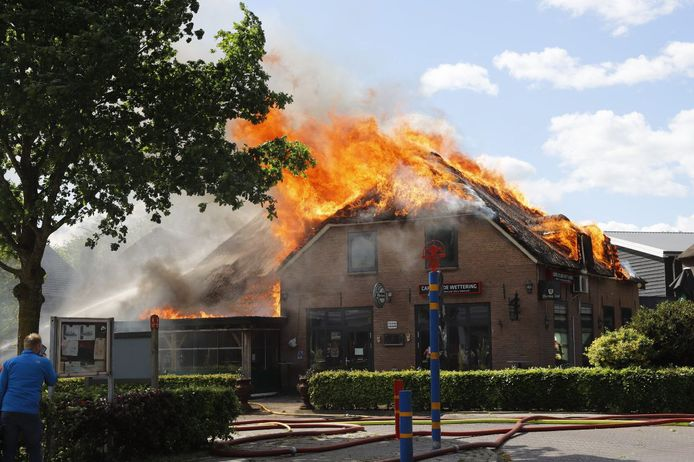 Café d'Olde Wettering in Lierderholthuis ging vorig jaar mei in vlammen op.