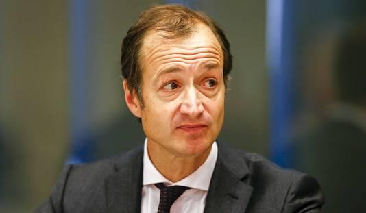 Staatssecretaris Wiebes stelt de dienst onder curatele