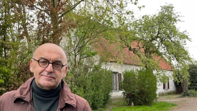"""Hoevegebouw uit 1662 te koop: """"Bijbouwen kan maar afbraak is niet toegelaten"""""""