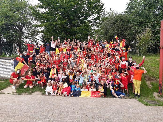 Leerlingen hebben de oproep om in een outfit in de Belgische kleuren naar school te gaan                                                                                                   massaal opgevolgd.