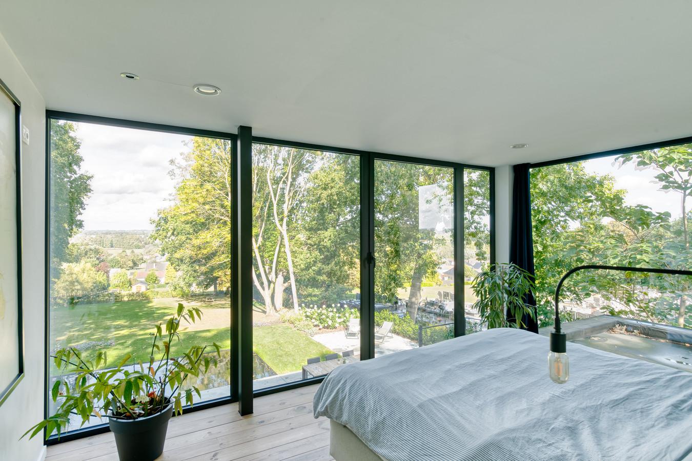 Er zijn slechtere plekken om wakkerte worden. Dankzij het raam opzij valt ook de ochtendzon binnen.