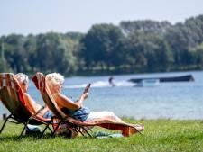 Mop en Peter pikken een staartje zomerzon mee: 'Als het een beetje weer is, zitten we hier'