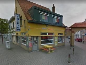 """""""Ik ben een kiezer van het Vlaams Blok"""": voorwaardelijke straf voor jongeman die op oudejaarsavond nachtwinkel en frituur overvalt met clownsmasker op"""