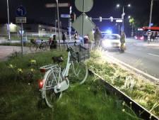 Jonge fietsster geschept op kruising in Naaldwijk, slachtoffer naar ziekenhuis