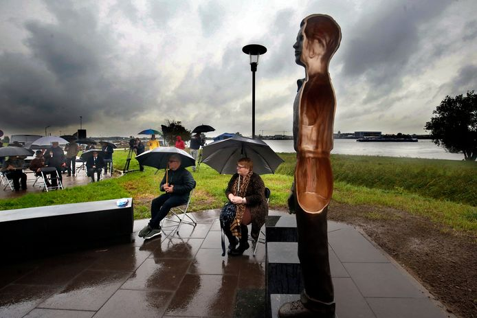 Onthulling van het monument in Werkendam.